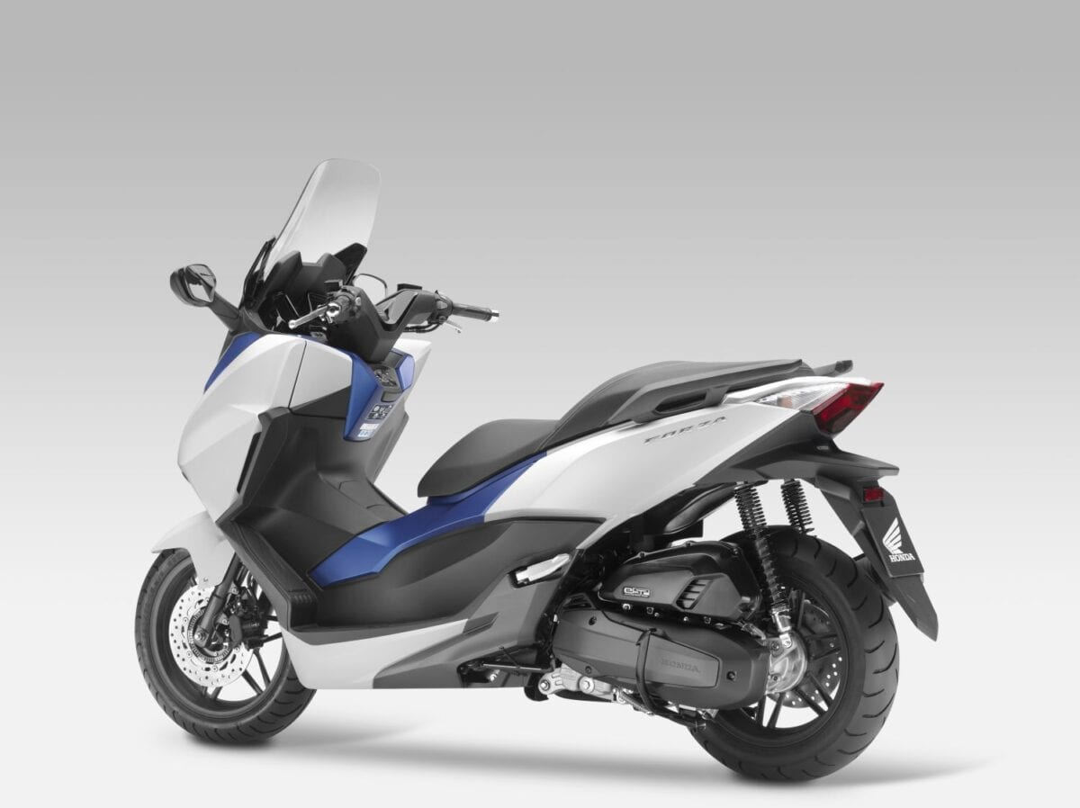 026 Forza-125-Scooter-2015-055lores