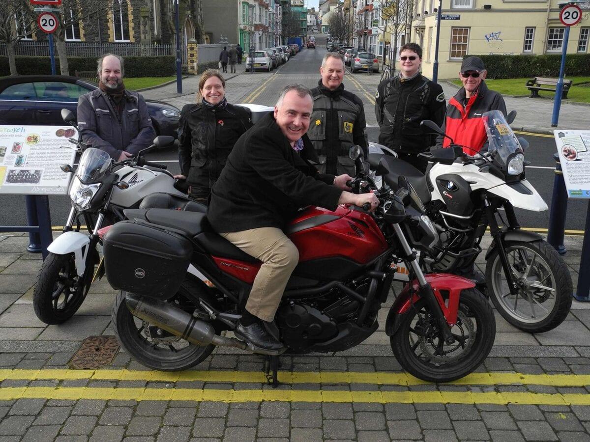 Mark-Williams-on-bike-joins-mag