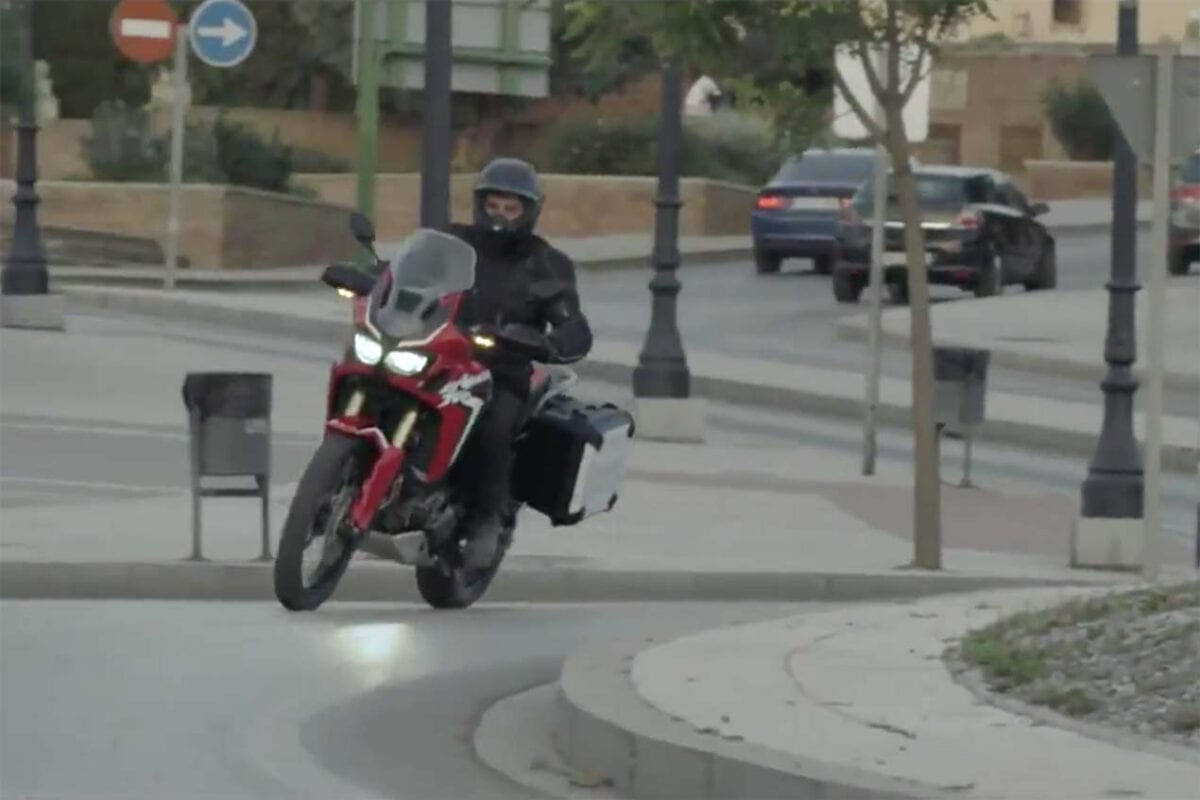 2016-Honda-CRF1000L-Africa-Twin-video-leak-32