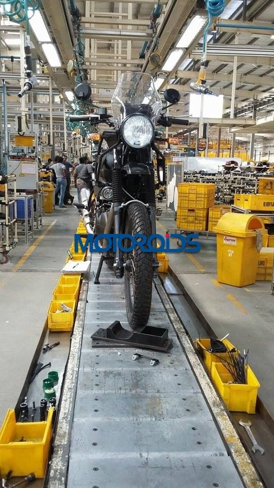 EXCLUSIVE-Royal-Enfield-Himalayan-Spied-on-Production-Line-1-2.jpg.pagespeed.ce.A2nB-TX1hJ