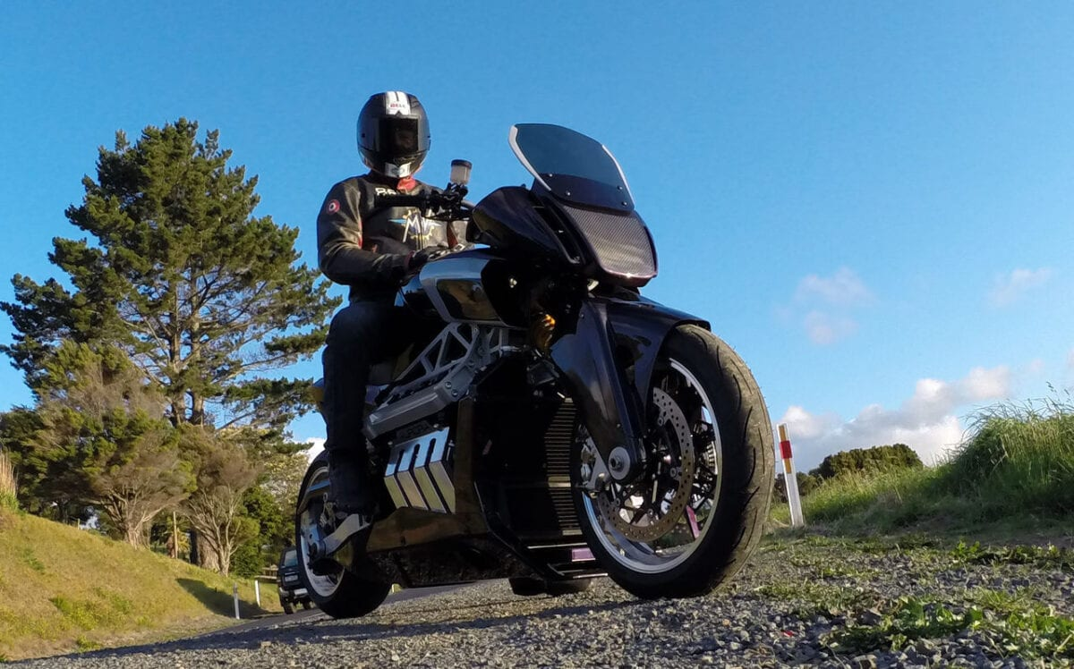 aurora-hellfire-oz26-v8-bike-packs-417-hp-and-319-nm-and-nothing-else-matters-photo-gallery_17