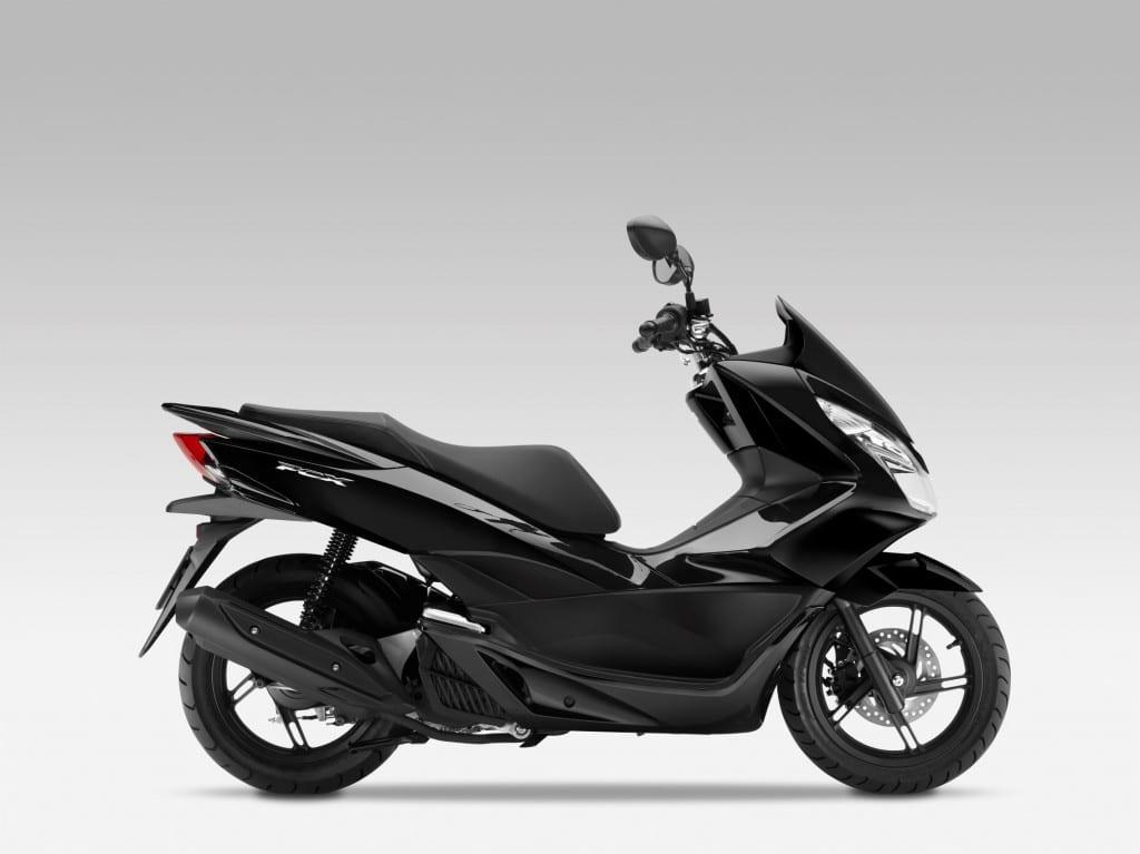 070116mcia_UK's best selling new model for 2015 Honda PCX-125
