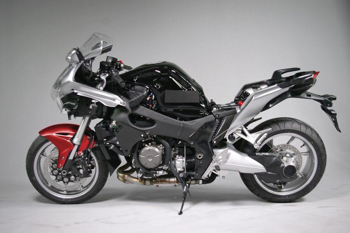 Honda-VFR1200F-bodywork-off