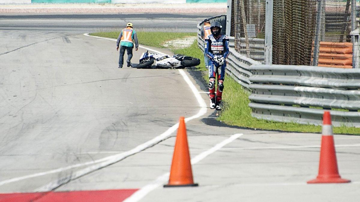 020216_motor_baz_crash.vresize.1200.675.high.89