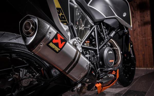 2015-11-26 KTM DUKE 690-960