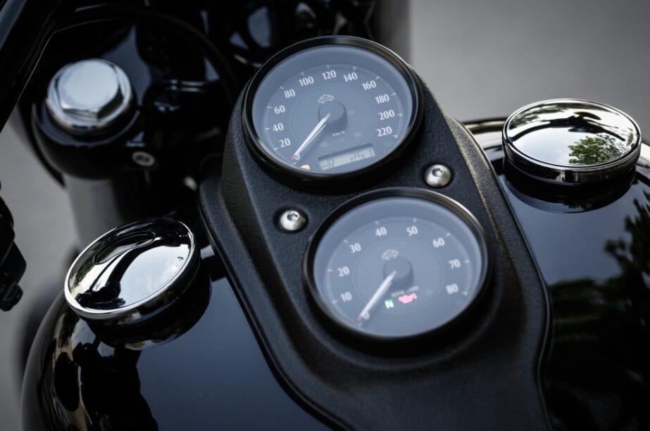 Harley-Davidson Low Rider S - dash