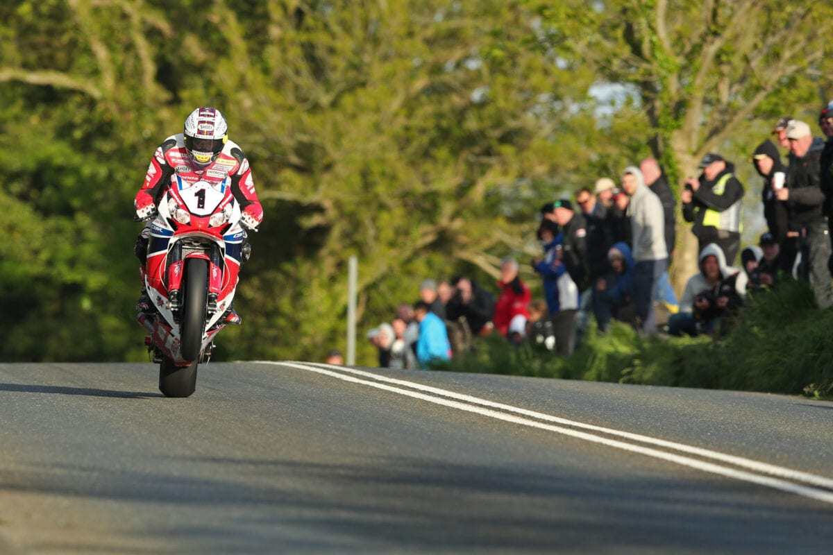 Pacemaker Press, Belfast: 05/06/2015: John McGuinness on the Honda Racing Fireblade at Crosby during qualifying for the 2015 Monster Energy Isle of Man TT. Picture by Dave Kneen