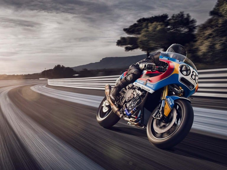 Praem-BMW-S1000RR-vintage-race-bike-04