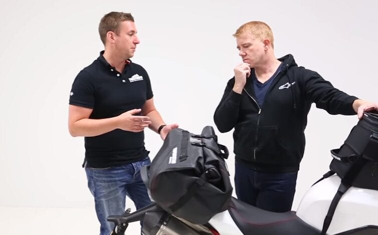 Fixing luggage to Triumph Speed Triple 1050R; Part 2 - Enduristan dry bag 2