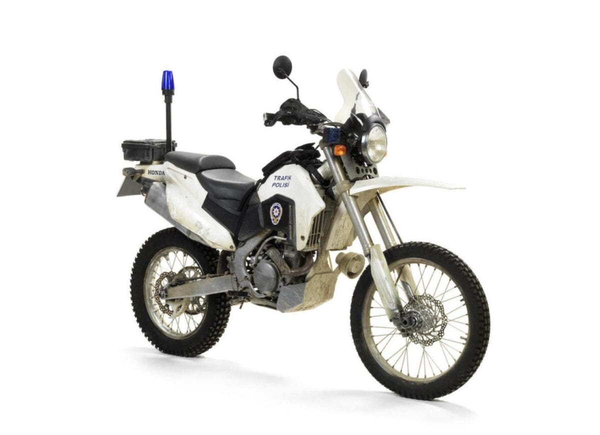 Honda-CRF250R-Motorcycle-Skyfall-James-Bond-1-1480x1073