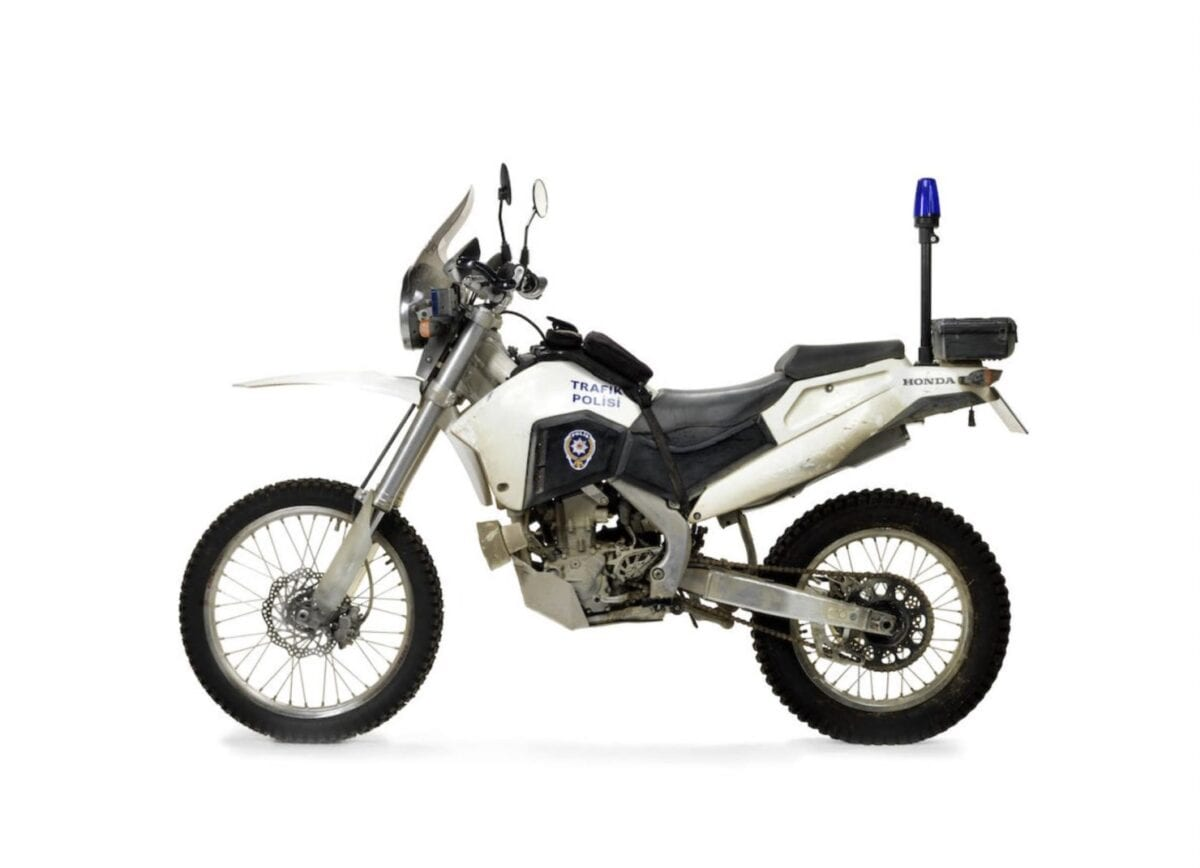 Honda-CRF250R-Motorcycle-Skyfall-James-Bond-2-1480x1071
