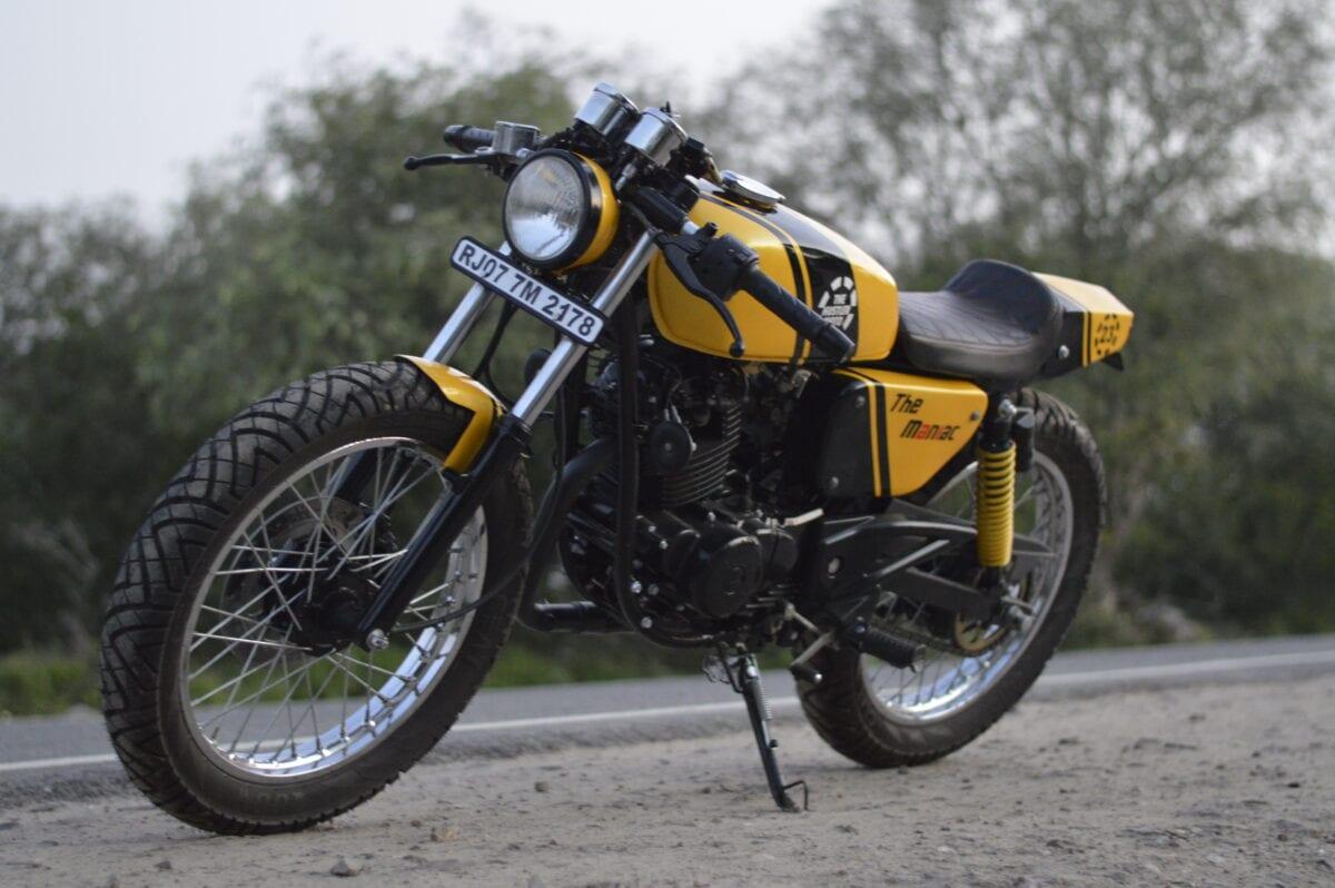 custom-cafe-racer-by-hustler-moto-bajaj-pulsar-150-2