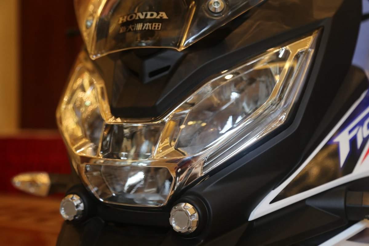 honda-cbf190x-headlamp-second-image