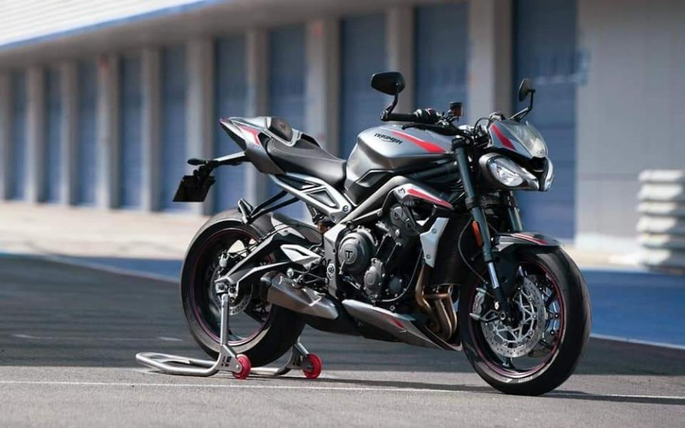 This is the 2020 Triumph Street Triple 765. Snazzy.