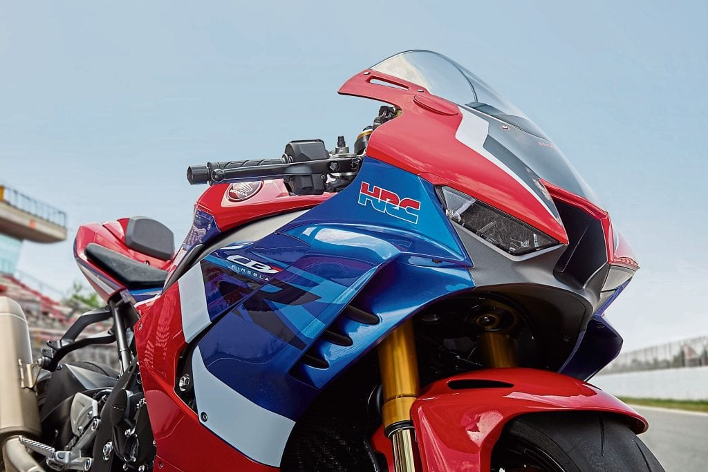 The 2020 Fireblade has most definitely NOT been built for road comfort or the everyday commute. It's a motorcycle that's focused very tightly on track prowess.