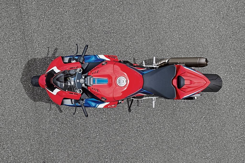 Look how narrow the 2020 Honda Fireblade is. Once you're away from the aero-infused fairing, there's not a lot of motorcycle to get in the way of your riding. Even the exhaust and end can is pulled in to be as close to the bike as possible.