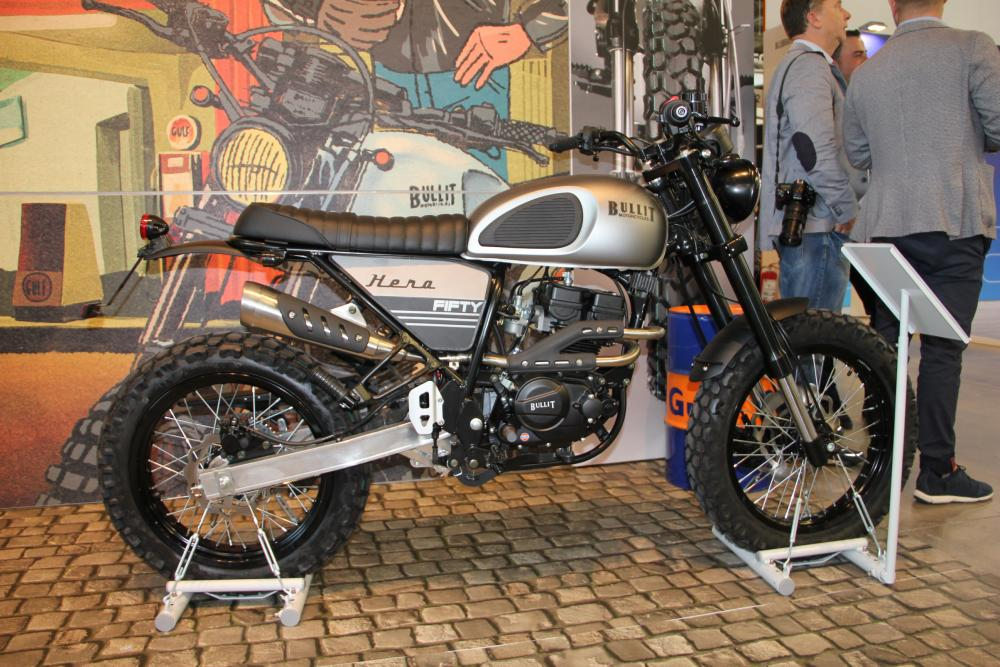The Bullit Hero Fifty is a 50cc motorcycle. It's not easy to believe that this is just a 50cc bike, is it?