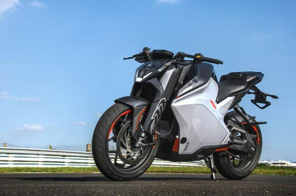 You know what... this might just be the actual start of the electric motorcycle movement for real. It's not silly. It doesn't cost £60,000, it'll appeal to the new and the young (if we can get them to see it) and it LOOKS LIKE A MOTORCYCLE. Ultraviolette, we want one of these please to test for a year.  And we're being achingly serious about it.