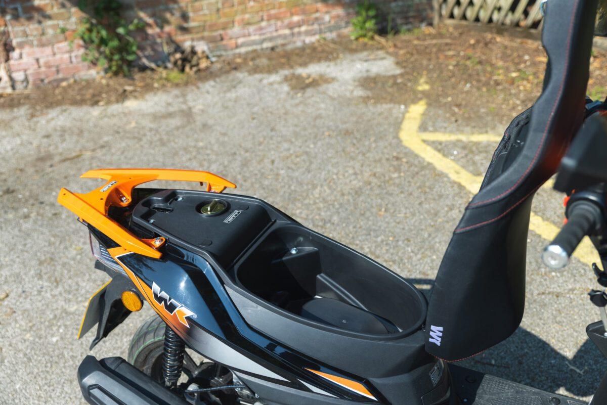 WK SX125 Under seat